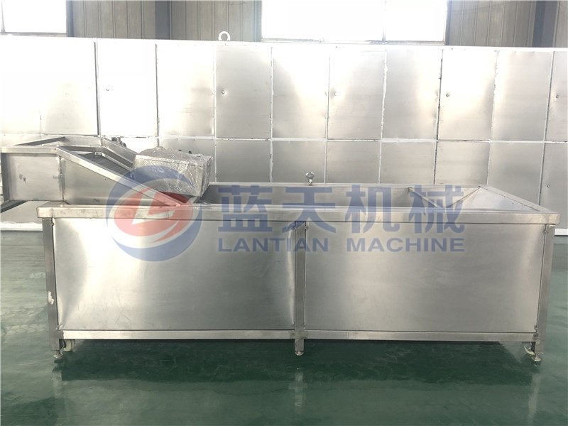 Blanching machine can avoid losing their original color and nutrition in the process of processing.